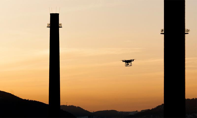 Výškové letecké práce s dronom DJI Phantom 4 inšpekcia komínov